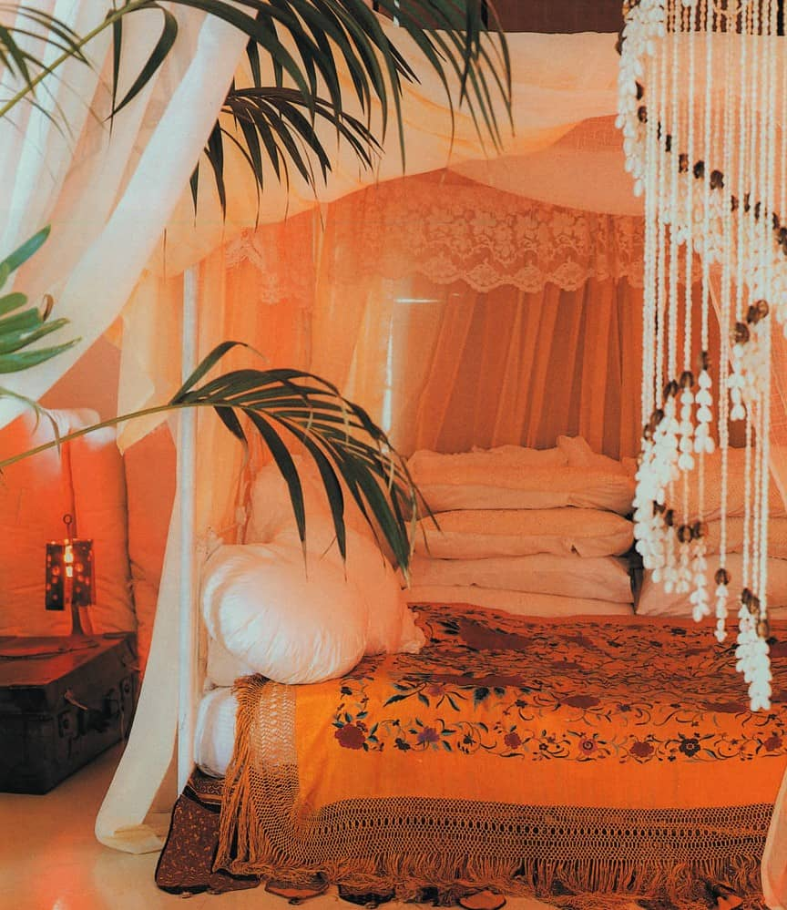 aag_orange_bedroom_ColCorrect