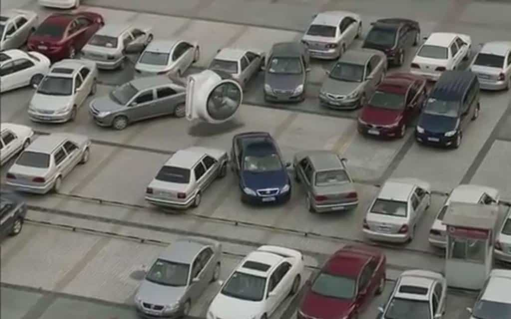 Volkswagen-Hover-Car-in-parking-lot-1024x640