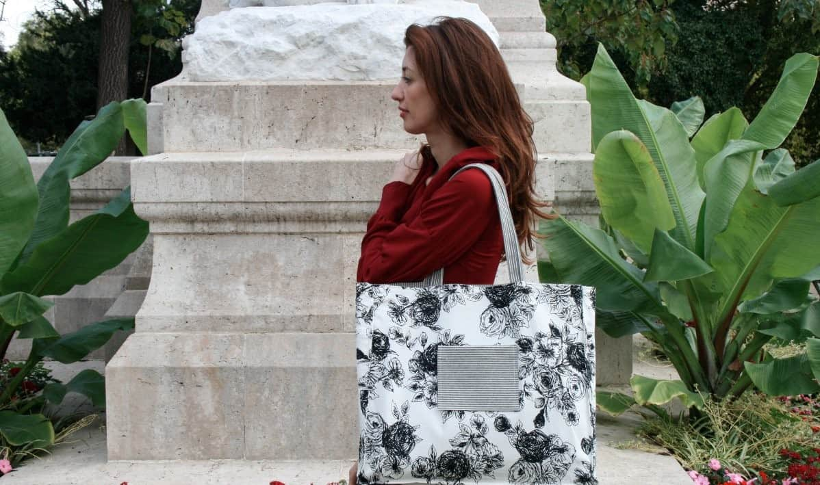 Kasia-Dietz-bw-floral-tote-inside