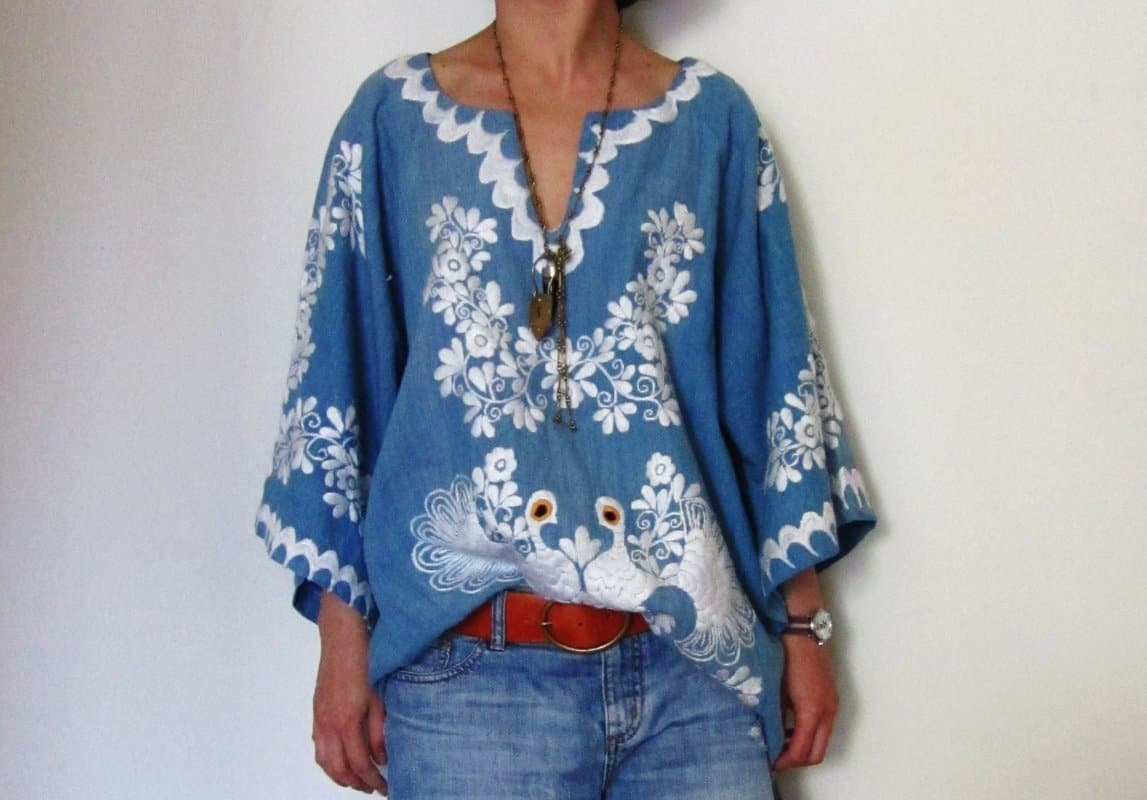 Los Pajaritos crocheted Off shoulder Mexican embroidered blouse