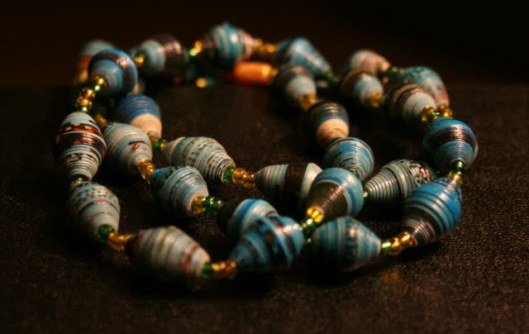 nakate-project-necklace-sustainable-microfinance-east-africa