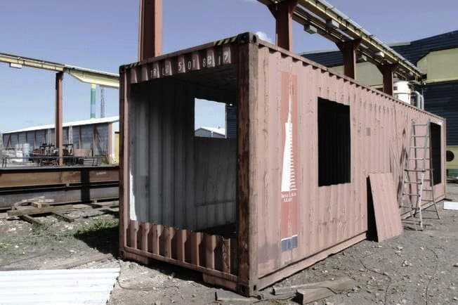 upcycled-shipping-container-house01