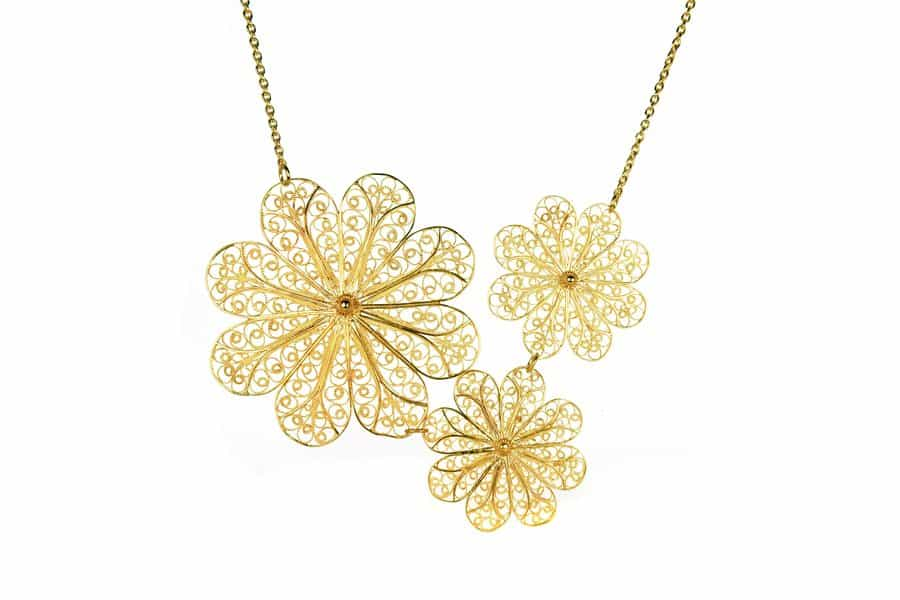 rosette-gold-necklace-600