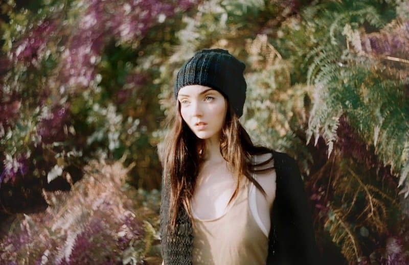 The_North_Circular_Lily_Cole_Accessoires_Winter_11