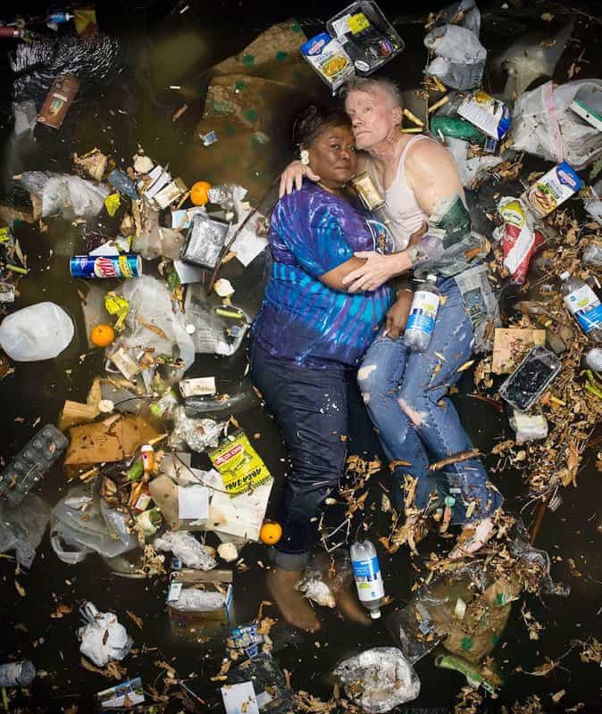 7-days-of-garbage-environmental-photography-gregg-segal-10-1