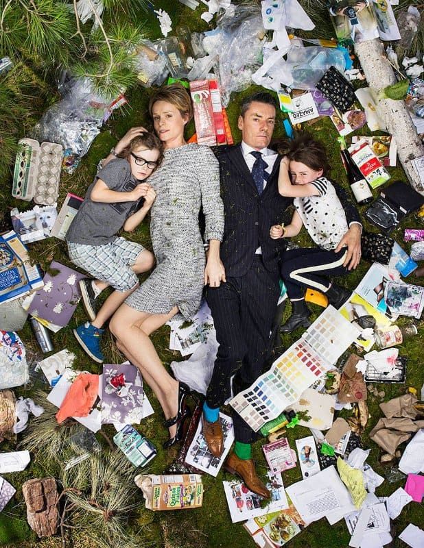 7-days-of-garbage-environmental-photography-gregg-segal-12-1