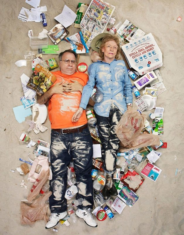 7-days-of-garbage-environmental-photography-gregg-segal-3