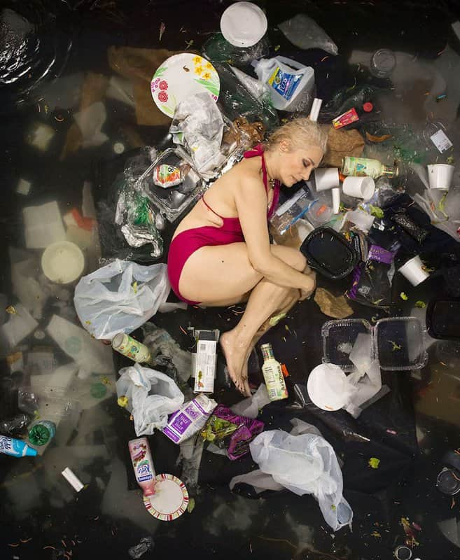 7-days-of-garbage-environmental-photography-gregg-segal-7-1