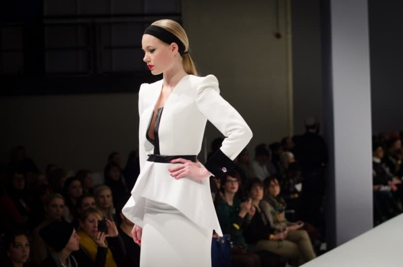 FABRYAN-AUTUMN-WINTER-2014-15-LAVERA-SHOWFLOOR-BERLIN-ECO-COUTURE-FASHION-WEEK-WHAT-PIXIES-WEAR-22-1024x678-830x549