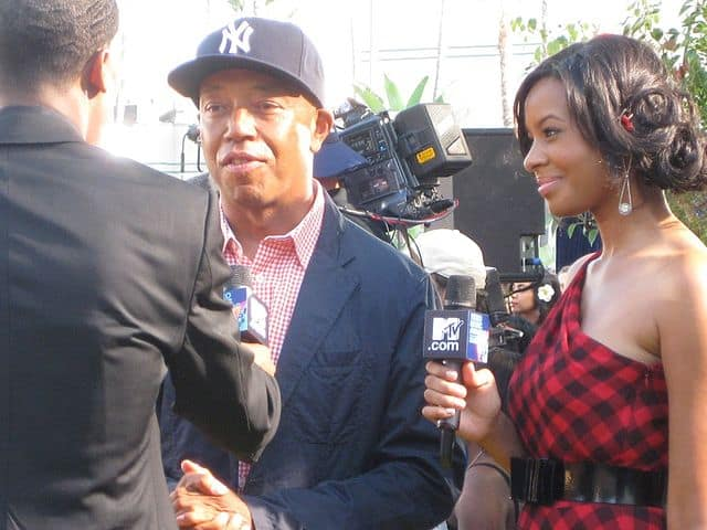 640px-Russell_Simmons_at_the_MTV_VMA's_@_2008_MTV_Video_Music_Awards