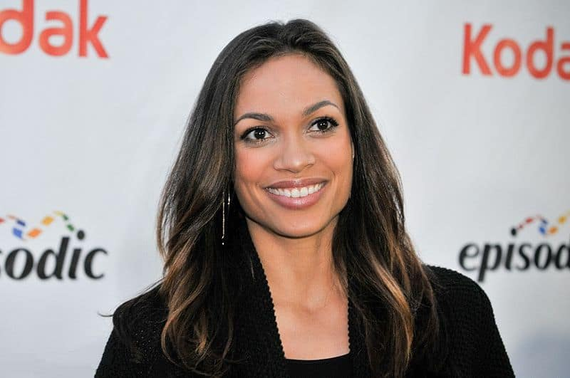 800px-Rosario_Dawson_at_the_Streamy_awards