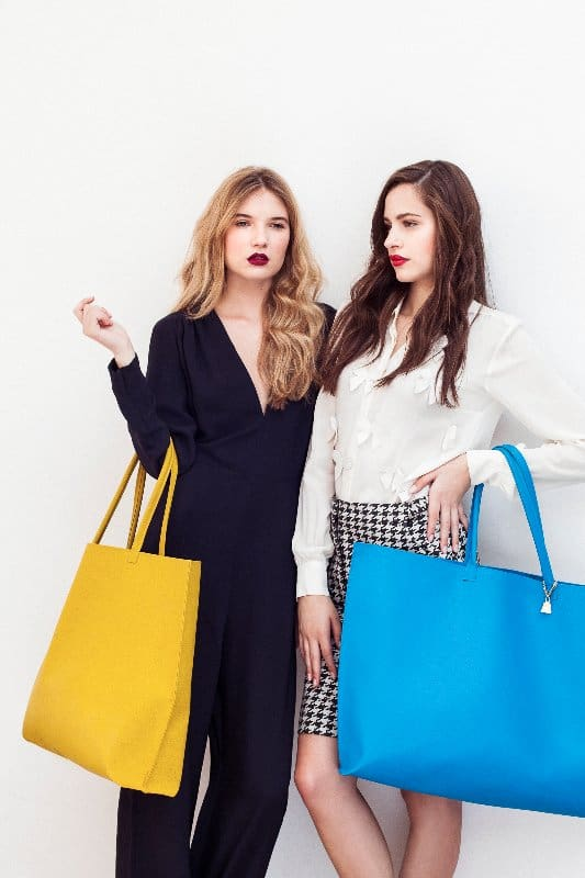 double-model-tote