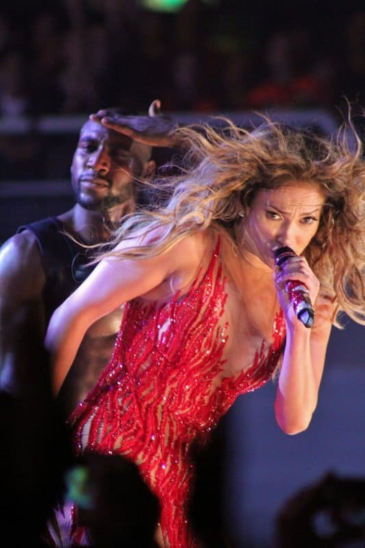 640px-JENNIFER_LOPEZ_-_DANCE_AGAIN_WORLD_TOUR_(8407390301)