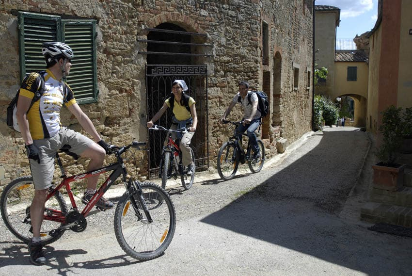 Adler-Thermae-cycling-Tuscany