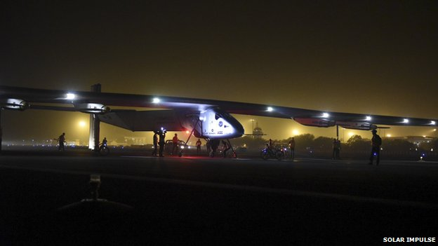 _81559374_2015_03_10_solar_impulse_2_rtw_2nd_flight_muscat_to_ahmedabad_landing_revillard-0864