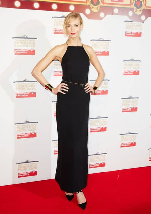 karlie-kloss-black-dress-worlds-fabulous-fund-fair-2015-h724