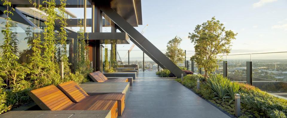Green architecture sydney vertical gardens eluxe magazine for Home building magazines
