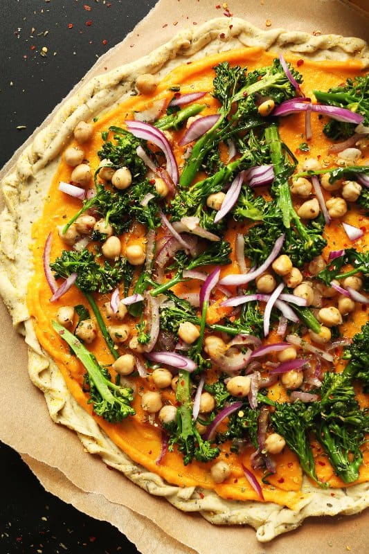 21 high protein vegan recipes for breakfast lunch dinner amazing 10 ingredient butternut squash and vegetable pizza forumfinder Image collections
