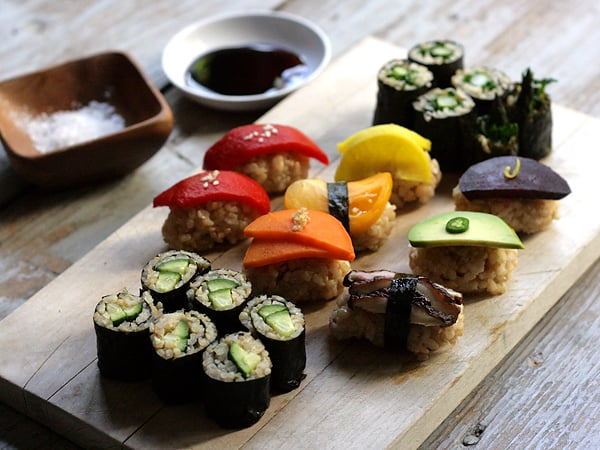 vegetable-sushi-plate