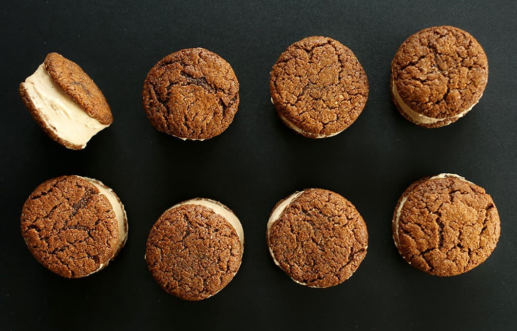 Easy-Gluten-Free-Vegan-Chai-Ice-Cream-Sandwiches-with-GF-V-Ginger-Cookies