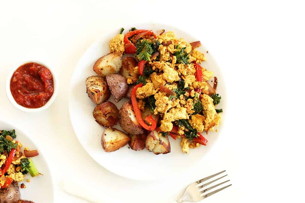Easy-Southwest-Tofu-Scramble-10-ingredients-simple-preparation-and-SO-delicious-vegan-glutenfree2