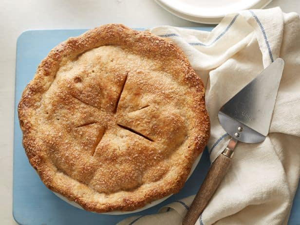 FN_Deep-Dish-Vegan-Apple-Pie_s4x3.jpg.rend.sni18col