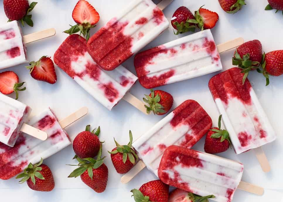 Fork_Knife_Swoon_Roasted_Strawberries_and_Cream_Popsicles_01b