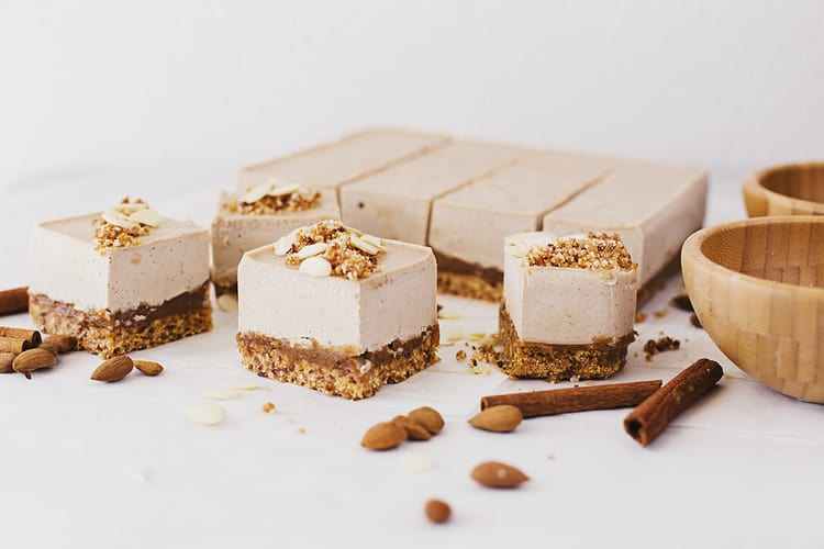 Cocoon_Cooks_Roasted_Almond_Salted_Caramel_Cheesecake_1