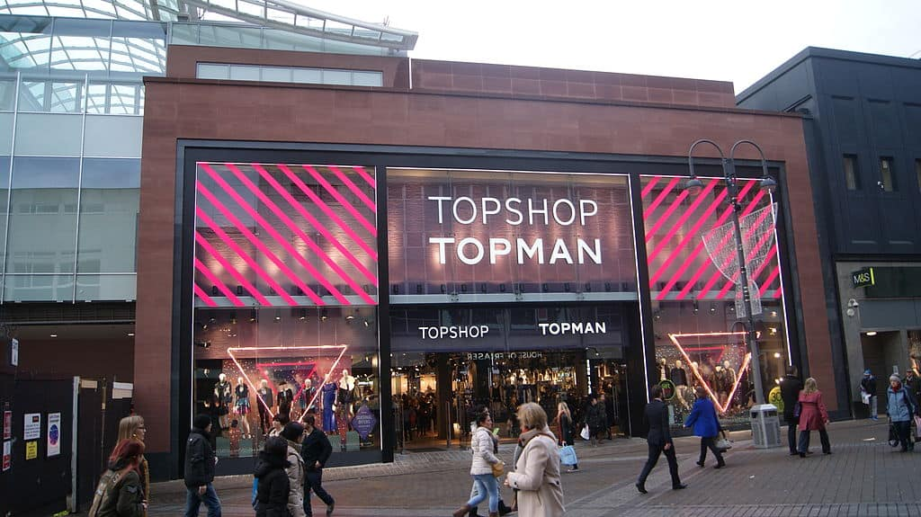 1024px-Topshop_and_Topman_(17th_December_2012)