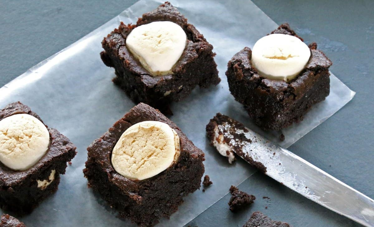 toasted-marshmallow-brownies-plated