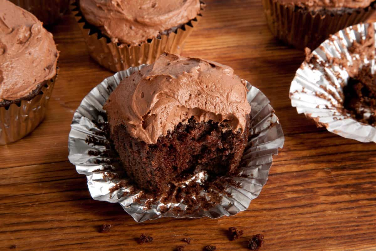 29478_vegan_chocolate_cupcakes