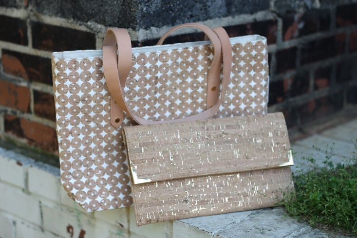 spicer-bags-boot-tote-white-cork-dots-folio-clutch-cork-dash-gold-mother-daughter-giveaway-fashion-blogger-nc-raleigh-blogger-metallic-gold-fleck-cork-purse-733x489