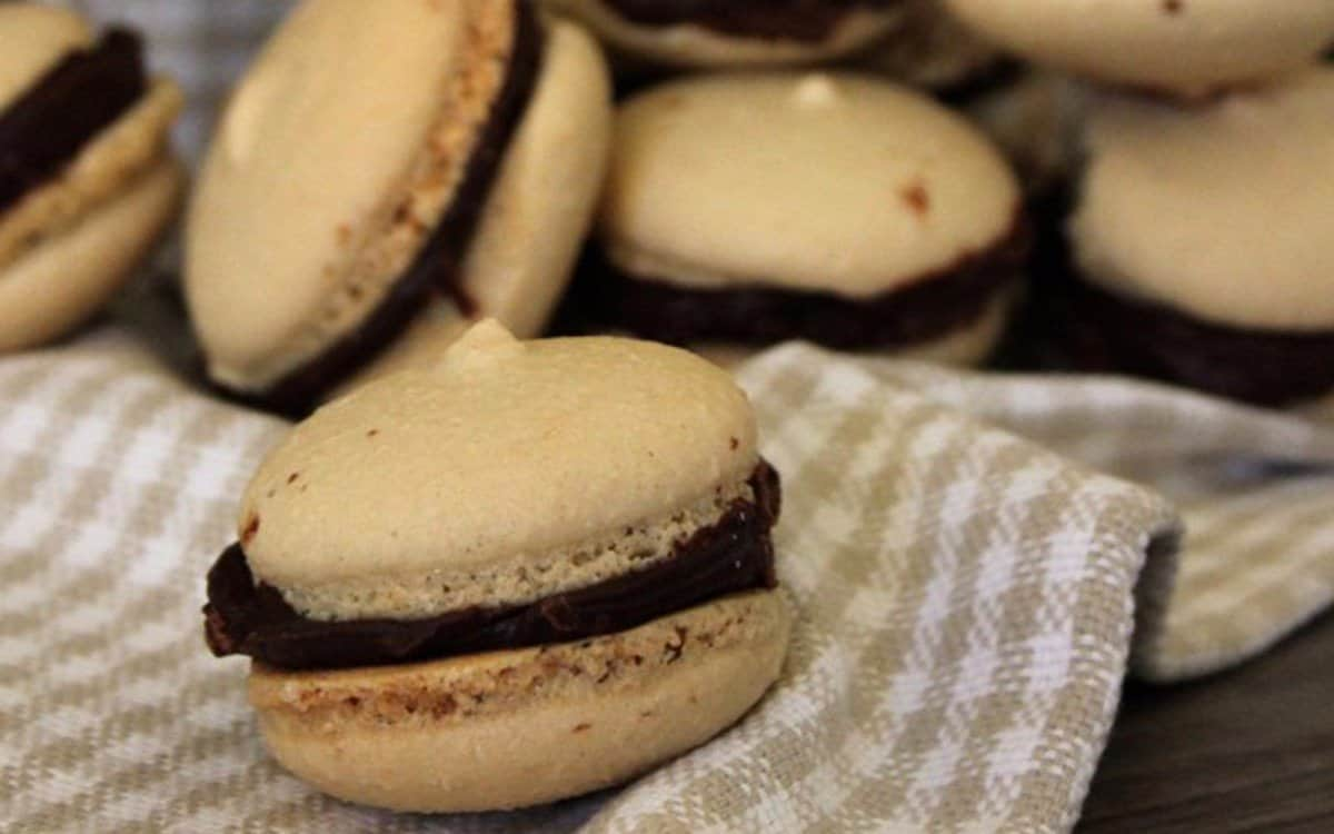 Coffee-and-Chocolate-Macarons-1200x750