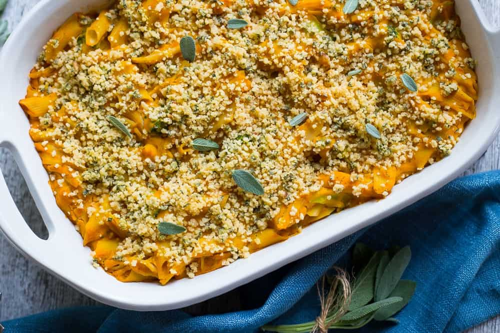 Vegan-Butternut-Squash-Mac-N-Cheese-with-Crispy-Sage-Breadcrumbs-8356