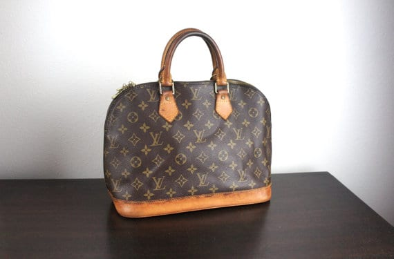 3aa938e98b2a 10 Tips To Tell If Your Vintage Louis Vuitton Bag Is Fake - Eluxe ...