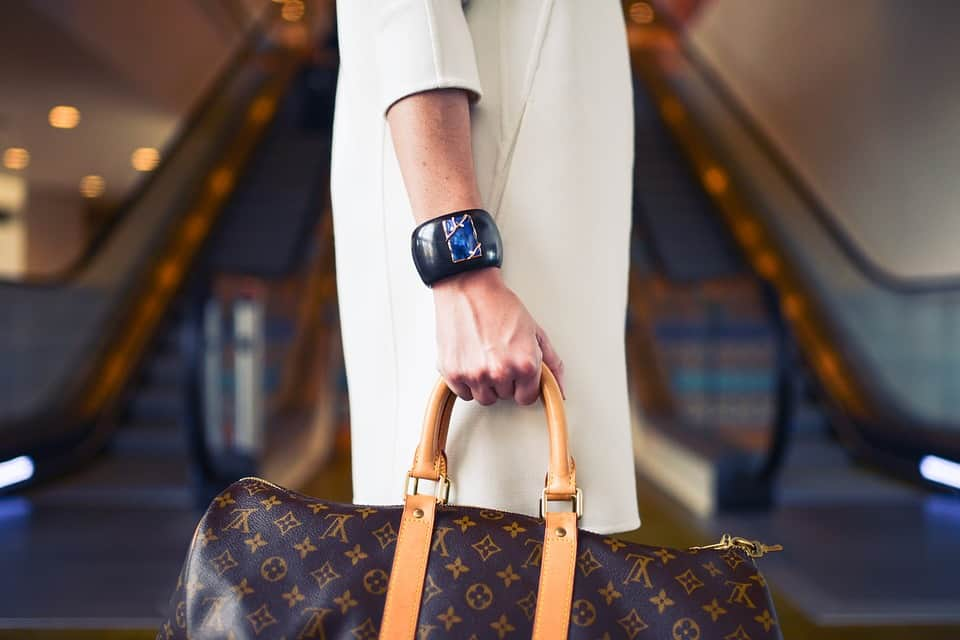 e6216a5ba 10 Tips To Tell If Your Vintage Louis Vuitton Bag Is Fake - Eluxe Magazine