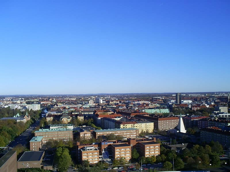 800px-Aerial_view_over_Malmö_taken_from_Kronprinsen_towards_east