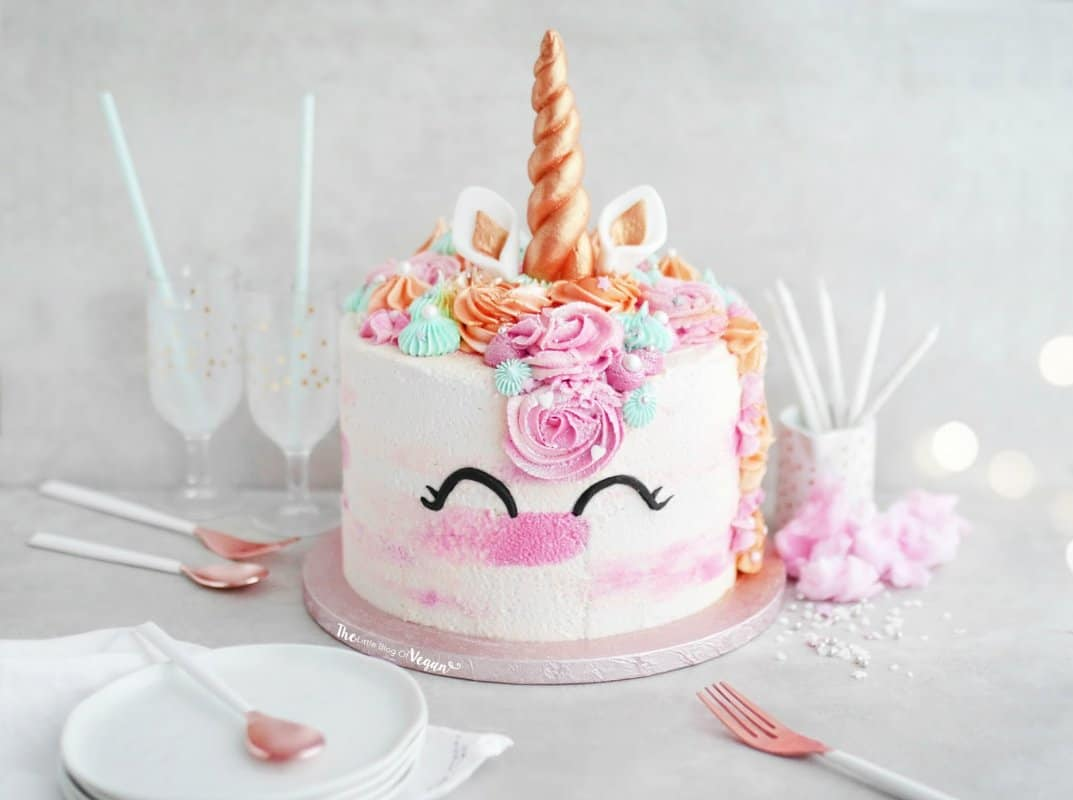 Brilliant 30 Beautiful Vegan Birthday Cake Recipes Eluxe Magazine Funny Birthday Cards Online Aboleapandamsfinfo