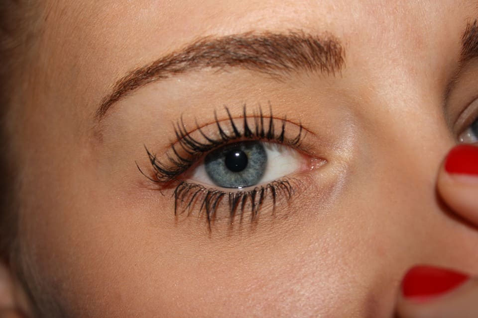 Simple False Eyelash Hacks
