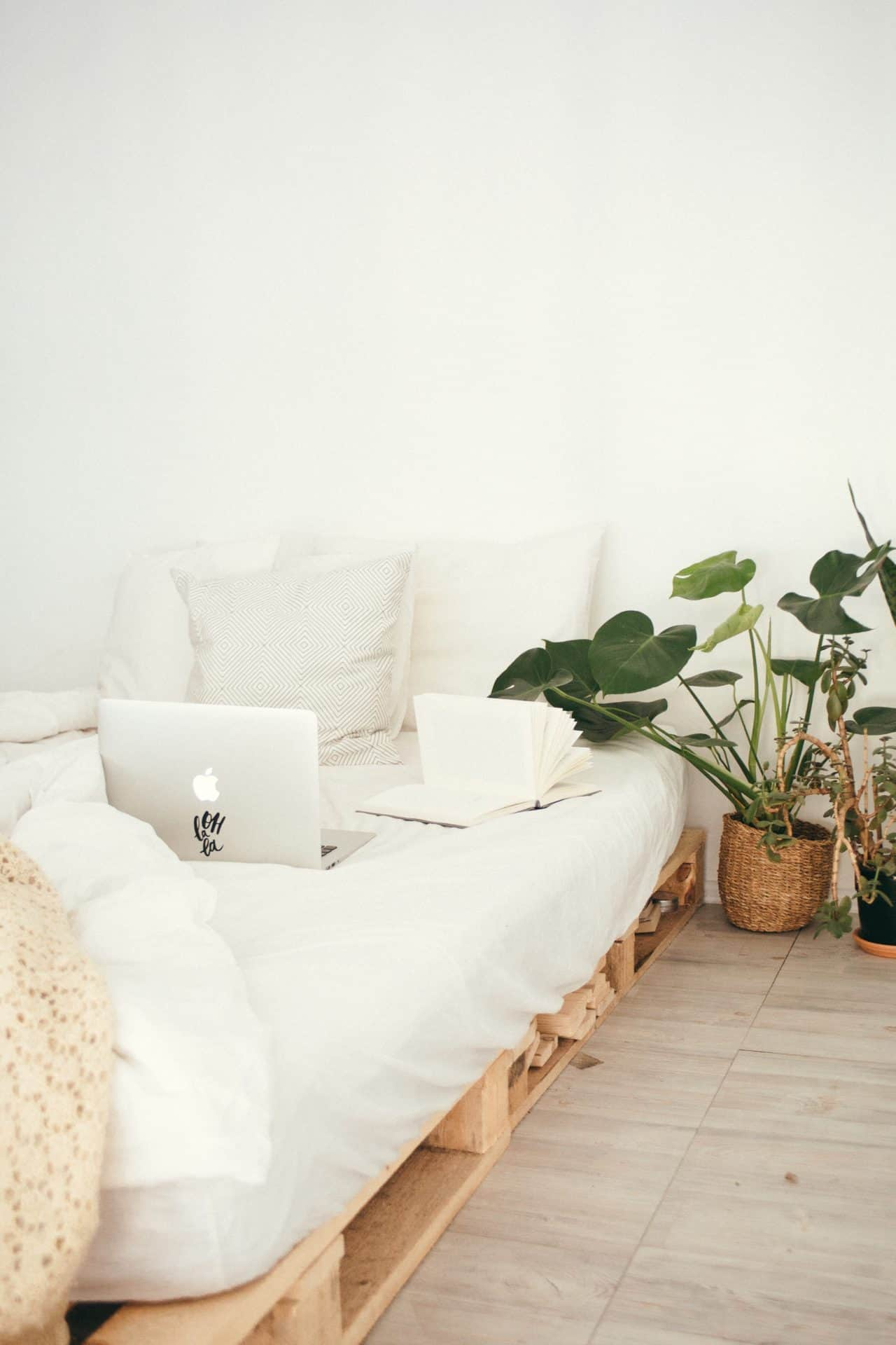 how to greenify your home in the bedroom